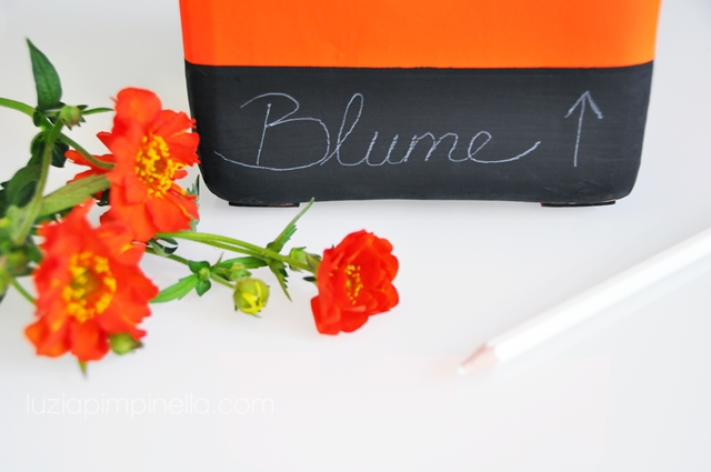 luzia pimpinella BLOG | DIY tutorial | vasen auffrischung mit neon und tafel-farbe | vases makeover with neon and chalkboard color