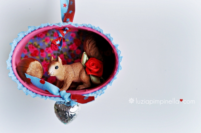 [luzia pimpinella BLOG ] DIY: tierische tannenbaumanhänger zu weihnachteen: ein eichhörnchen mit nuss in der box/ wild animal tree ornaments for christmas: a squirrel in a box