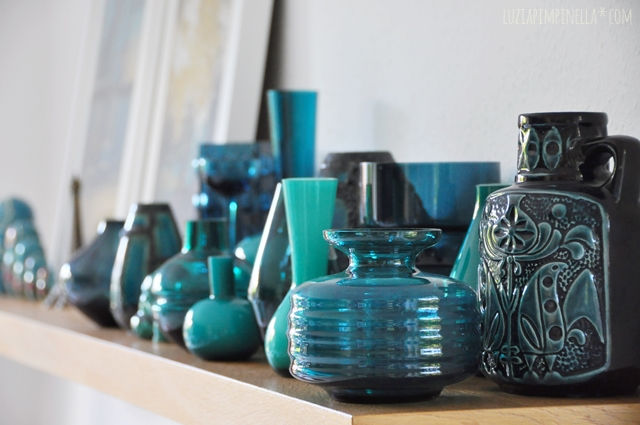 ... Luzia Pimpinella | Home Story | Vintage Vasen Sammlung In Petrol | Teal  Vintage Vases Collection