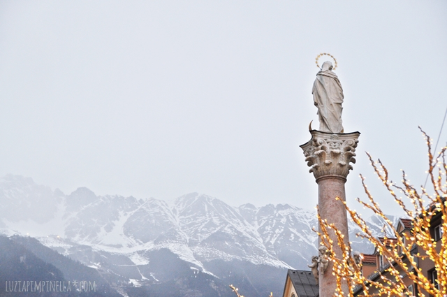 luzia pimpinella | travel innsbruck| berg blick historische altstadt | mountain viewhistoric center