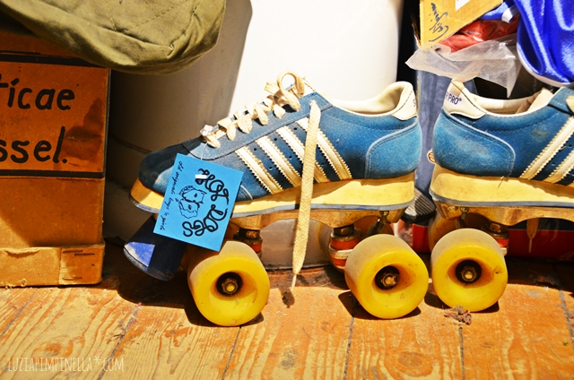 luzia pimpinela | travel hamburg | shopping-tipp: vintage roller skates im hot dogs