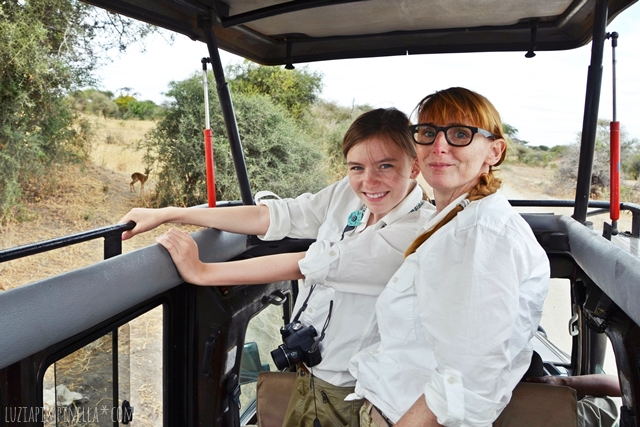 luzia pimpinella | travel tanzania | safari tarangire national park - we in the jeep
