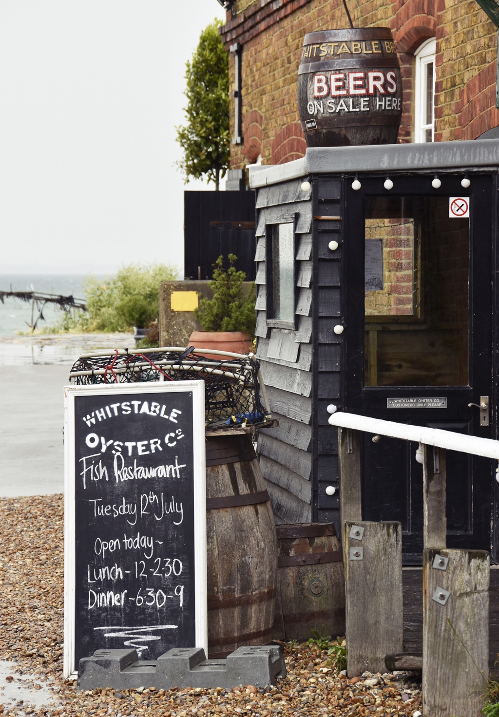 Südengland Roadtrip | Whitstable in Kent  -  Seafront Whitstable Oysters | Travel with luzia pimpinella