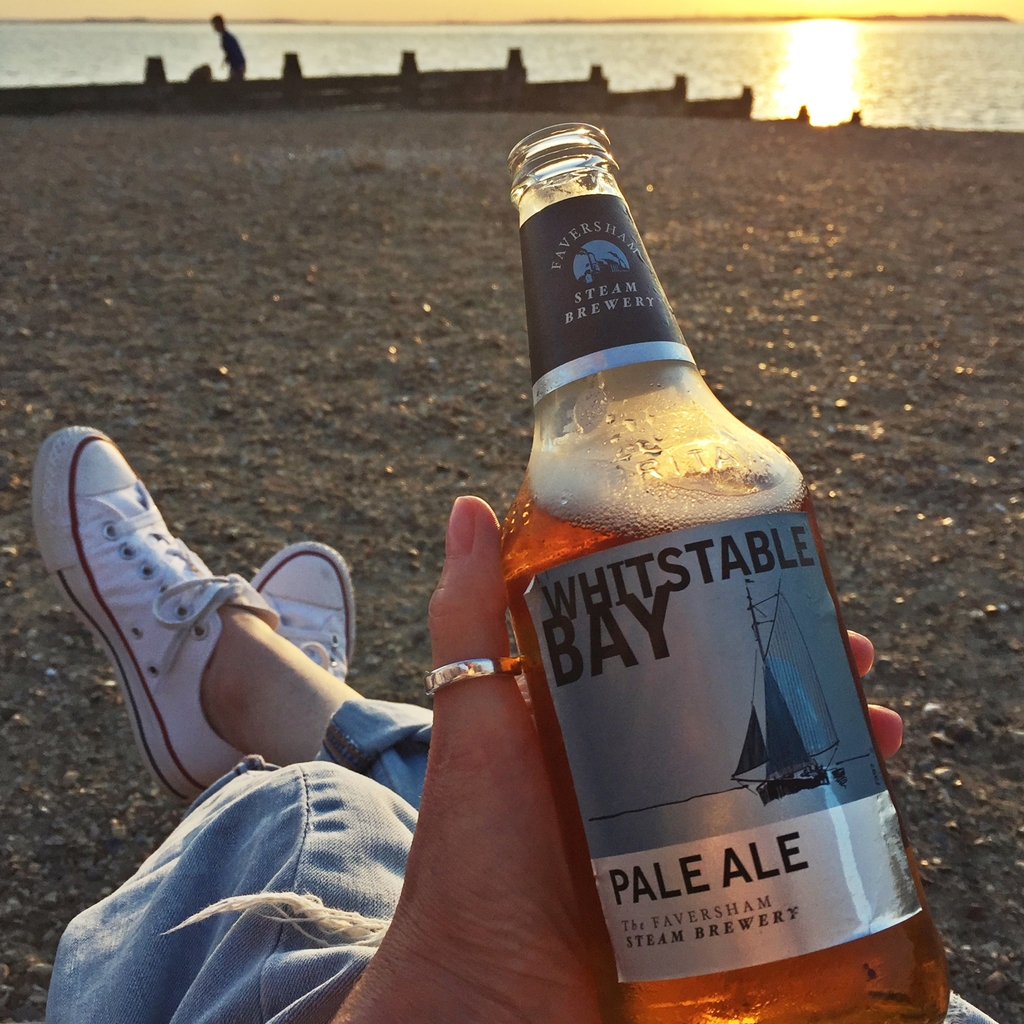 Südengland Roadtrip | Whitstable in Kent - Whitstable Bay Craft Beer am Strand | Travel with luzia pimpinella