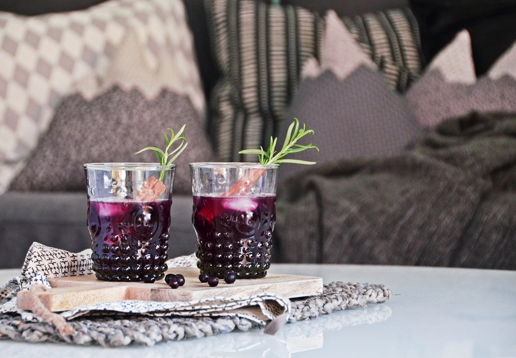 Wintercocktail Rezept | Baubeeren Zimt Old Fashioned Blueberry Cinnamon | luzia pimpinella