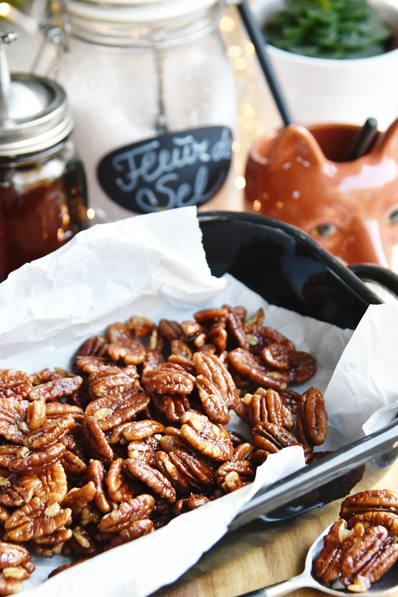 Kandierte Pecan-Nüsse selbermachen - mein schnelles Rezept mit Ahornsirup & Meersalz | Recipe for dandies pecans with maple syrup & sea salt | luziapimpinella.com